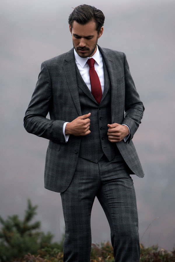 The Finn Tailored Fit 3-Piece Trend Suit