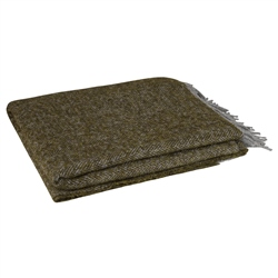 Magee 1866 Olive Boucle Throw