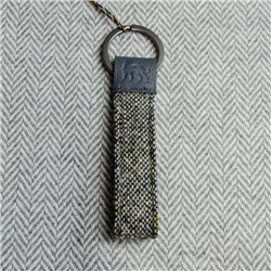 Magee 1866 Grey Donegal Tweed Salt & Pepper Magee Keyring