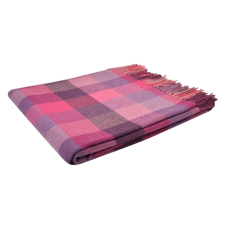 Tonal Pink Poppy Patchworks Throw   - Click to view a larger image