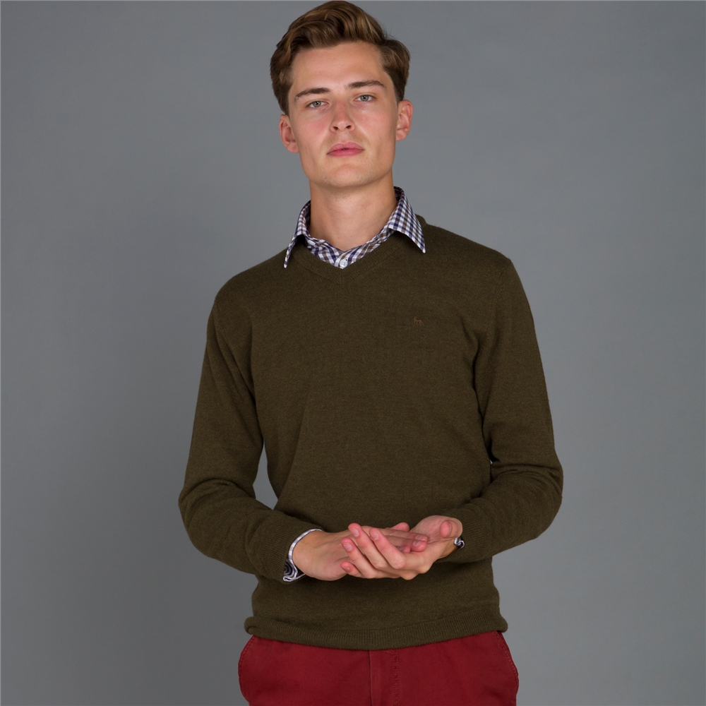 Magee 1866 Green Lunnaigh Lambswool V-Neck Jumper